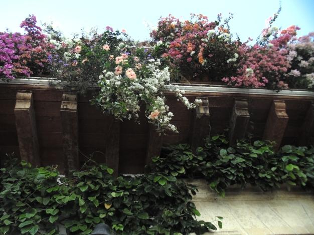 Clásico balcon con flores